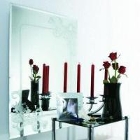 Mirror, measures 600 x 800mm Manufactures