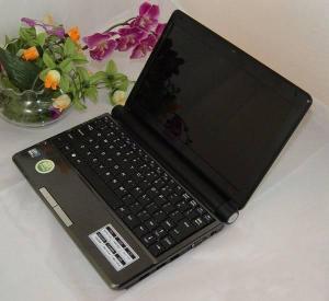 China high quality 10.2 intel netbook windows XP on sale
