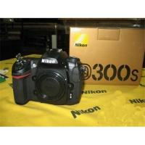 China Nikon D300S,Original Nikon D300S Digital SLR Camera with Nikon AF-S DX 18-200mm lens/Extras on sale