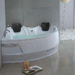 Hydromassage Bathtub (SLT-YG 160Y) Manufactures