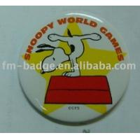 China custom make lovely snoopy button pin  cartoon button badge/button pins quality  with pin back with diffrent size on sale