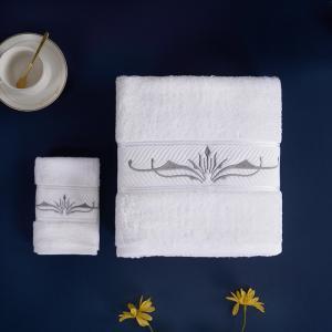 China Fishbone Satin Hotel Towel Set Bath Towel Sets Gift Set Woven For Adults on sale