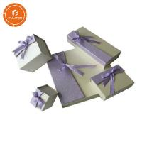 Small Empty Jewelry Gift Boxes , Paperboard Glossy Necklace Presentation Box Manufactures