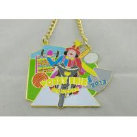 3.5mm Color Clown Logo Personalized Carnival Medal For Kids With Gold Chain Manufactures