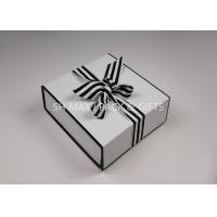 Lightweight Folding White Chipboard Boxes With Lids Big Ribbon Bow Custom Product Packaging Manufactures