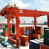 China Ship To Shore Quayside Container Gantry Crane Frequency Conversion 8 - 28m on sale