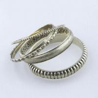 Iron Bangle Set with Vintage Style and Antique Bronze Plating, Perfect for Summer and Winter Manufactures