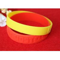 Minimalistic Pattern Custom Silicone Rubber Wristbands Without Deformation Manufactures