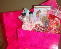 China Custom Gift Basket Ideas Just For Her Gift Box on sale