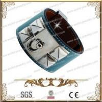 Fashionable blue wide leather bangle Manufactures