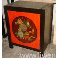 Classical painted night table with 2-door Manufactures