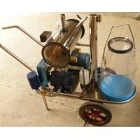 China Vacuum pump milking machine with transparent milk can on sale