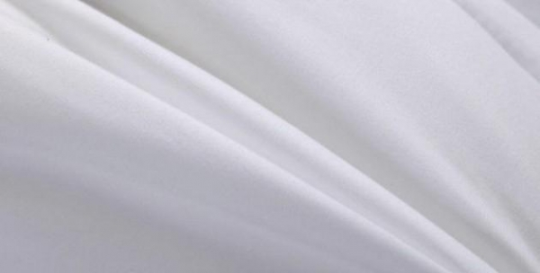 China Polyester white microfiber bedsheet fabric, 85 GSM