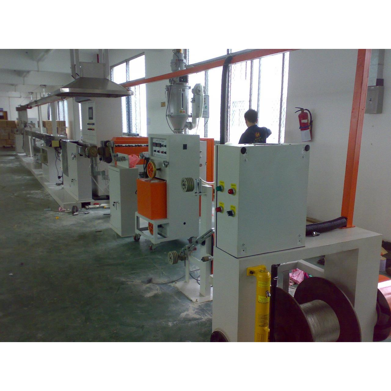 THE EXTRUSION MACHINE SERIES M70 extrusion line 190241416 Manufactures