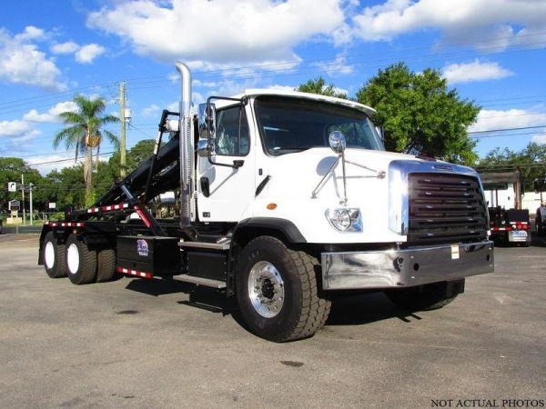 China USED 2017 FREIGHTLINER 114SD ROLL-OFF GARBAGE TRUCK FOR SALE IN GLENMOORE, PA