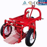 Farm Machinery Small Tractor Single Row Potato Harvester Manufactures