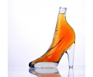 China high-heeled shoe shaped glass wine bottle
