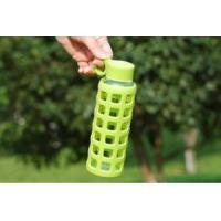 Eco Friendly Glass Bottles For Water With Outside Insulated Silicone Sleeve Manufactures
