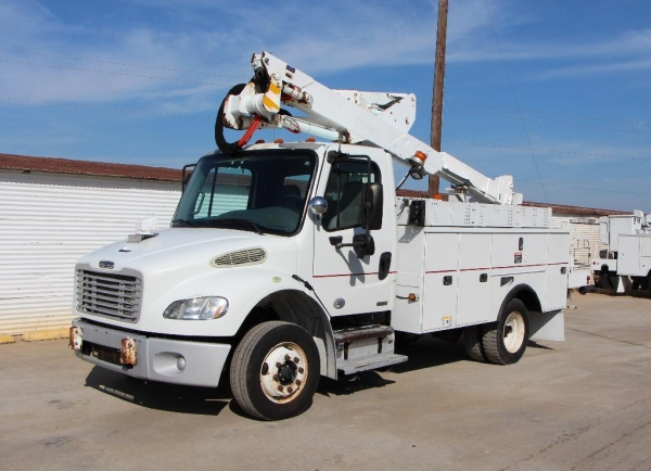 Quality Used Bucket Truck Stock No. 85135 - 2010 Freightliner M2 42 Ft.' Altec for sale