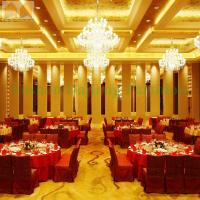 China Sliding Folding Door Hotel Soundproof Sliding Folding Partition on sale