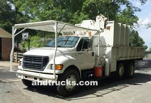 China 2001 F-750 Knuckle Boom 14ft Chip Truck