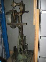 Rare Cast Iron Hand And Treadle Chain Stitch Sewing Machine Manufactures