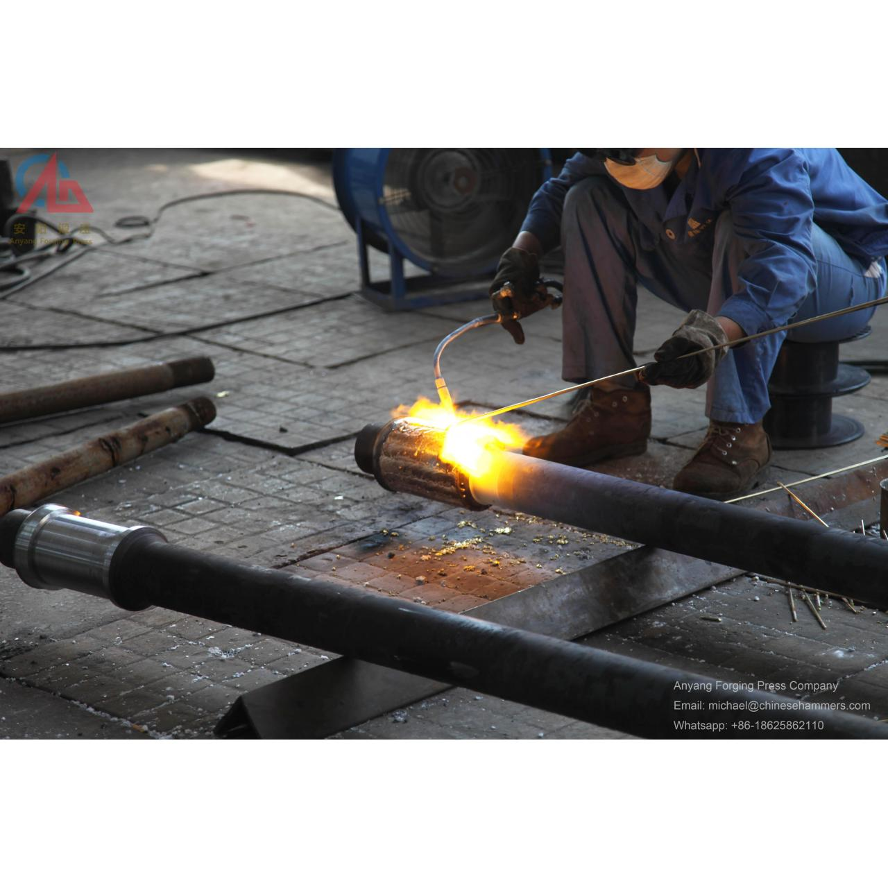 Welding copper on hydraulic close die forging hammer rod Manufactures