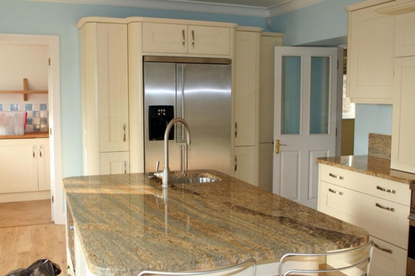 Quality Indian Kashmir Gold Granite Slab Countertops Counter Kitchen Tops 30mm Thickness for sale