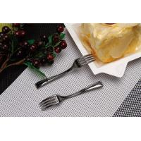 Injection knife and fork Three tine fork